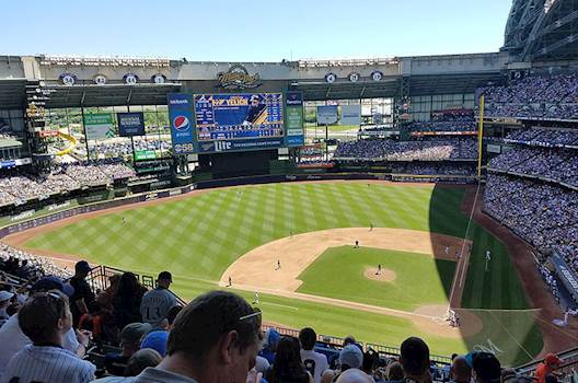 Brewers extend F&B deal with Delaware North